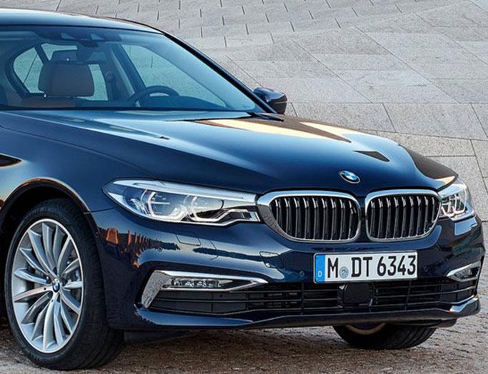 Sort BMW 5-serien fra 2017