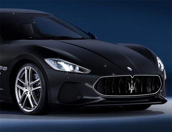 Sort Maserati GranTurismo fra 2018