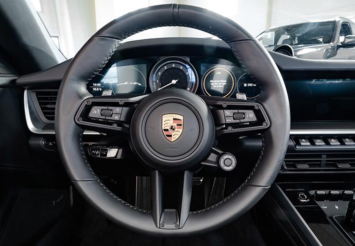 Porsche 911 Carrera 4S sort rat