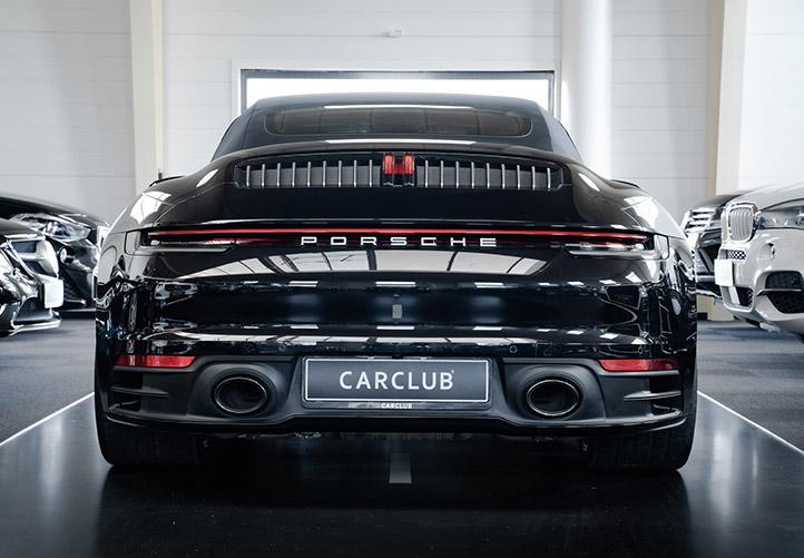 Porsche 911 Carrera 4S sort bagside